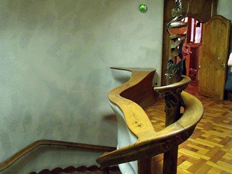 2階ホール手摺り